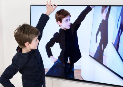 Se regarder à la télévision – Vidéo