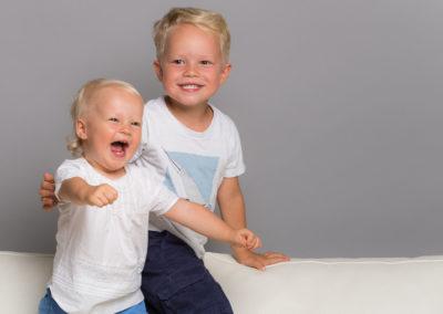 Sauter et Eclater de rire - Photo Enfant